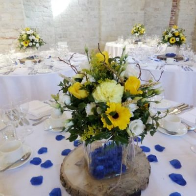 A spring flower wedding table arrangement